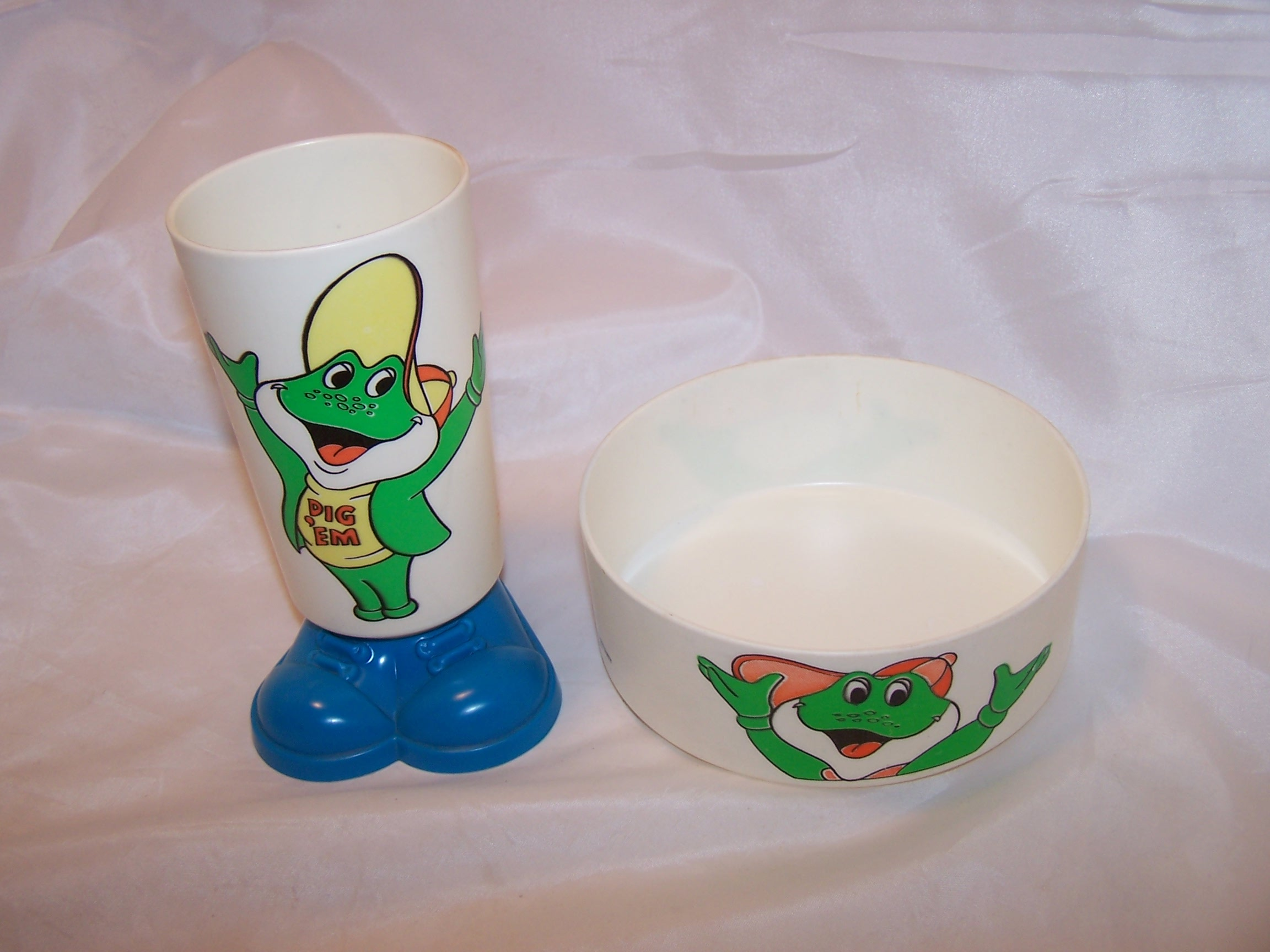Dig 'Em Bowl and Cup