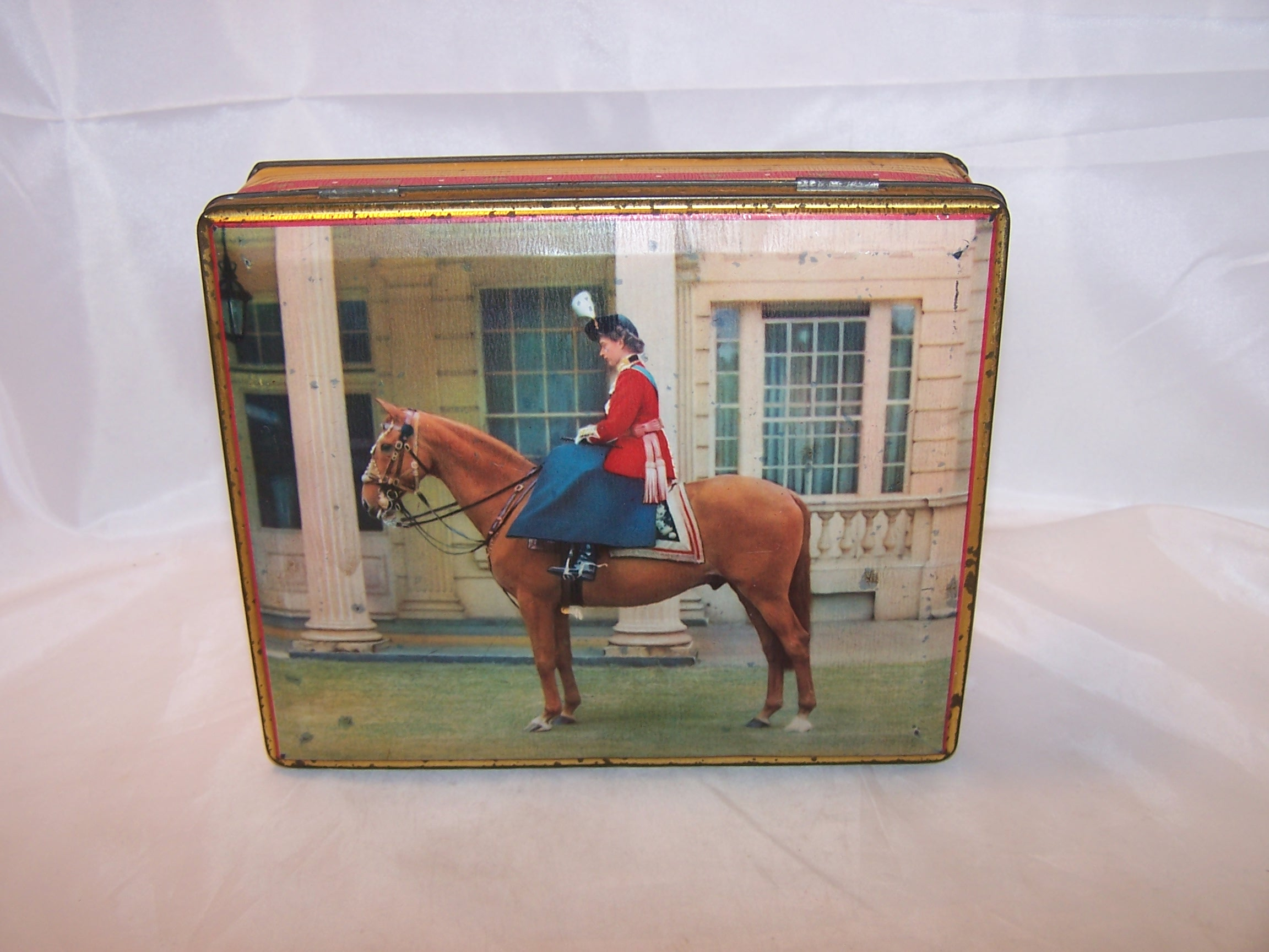 Queen Elizabeth Tin Hinged Box, Sharp and Sons, Vintage