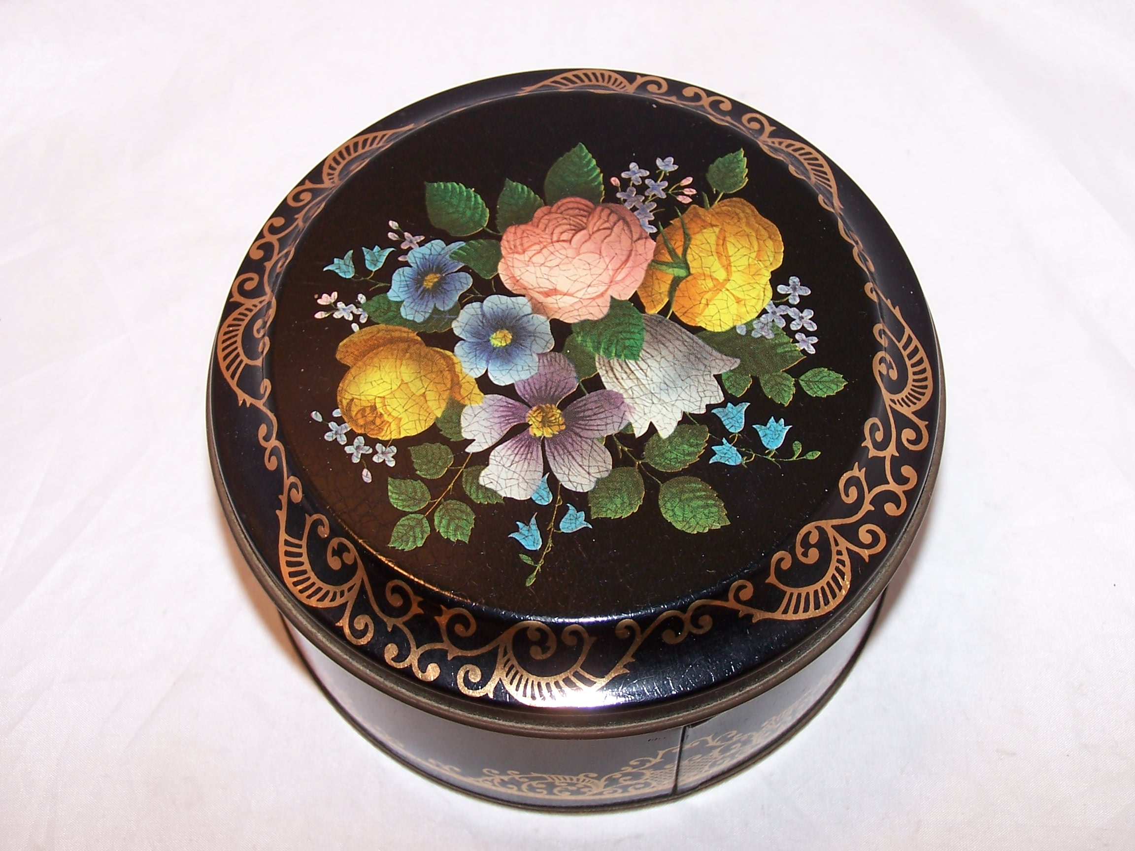 Floral and Gold Lace Tin