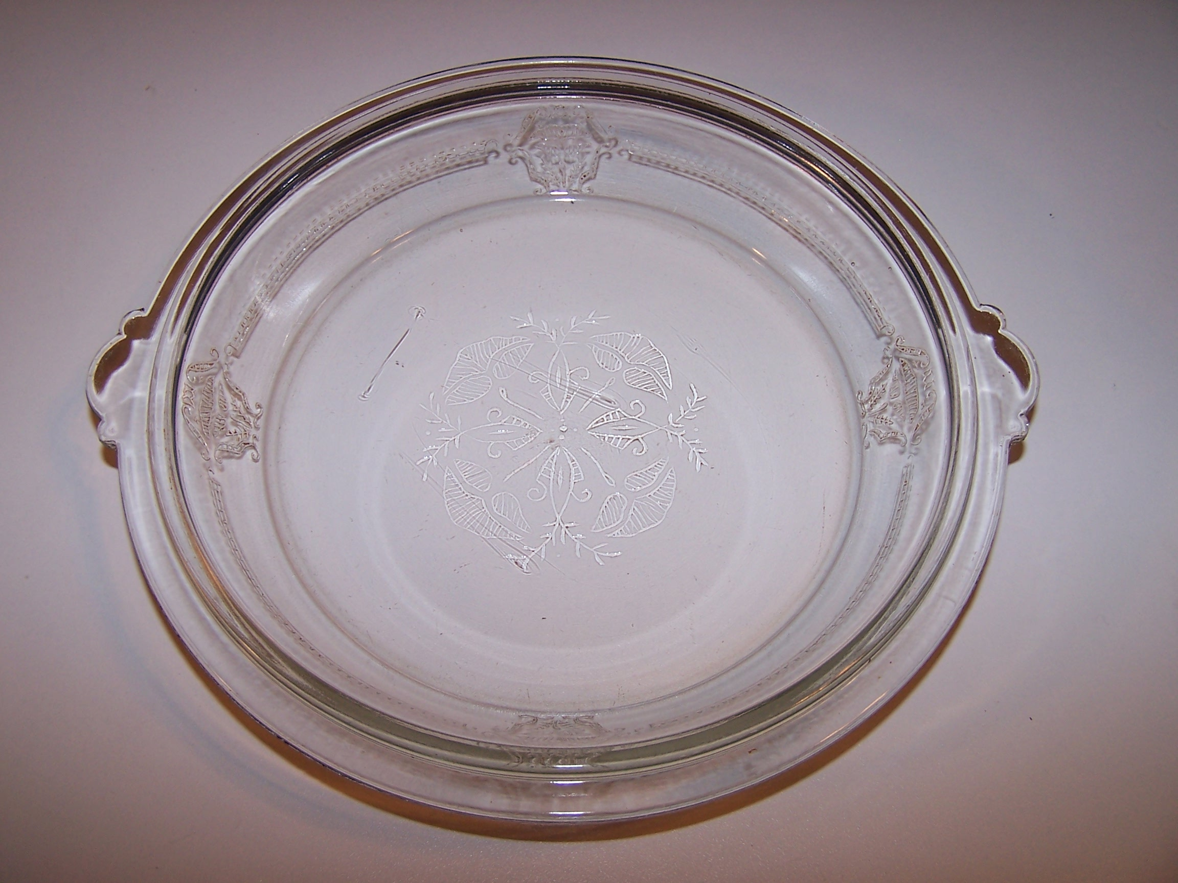 Image 15 of Glasbake Bake Set, Embossed, Elegant, 1911