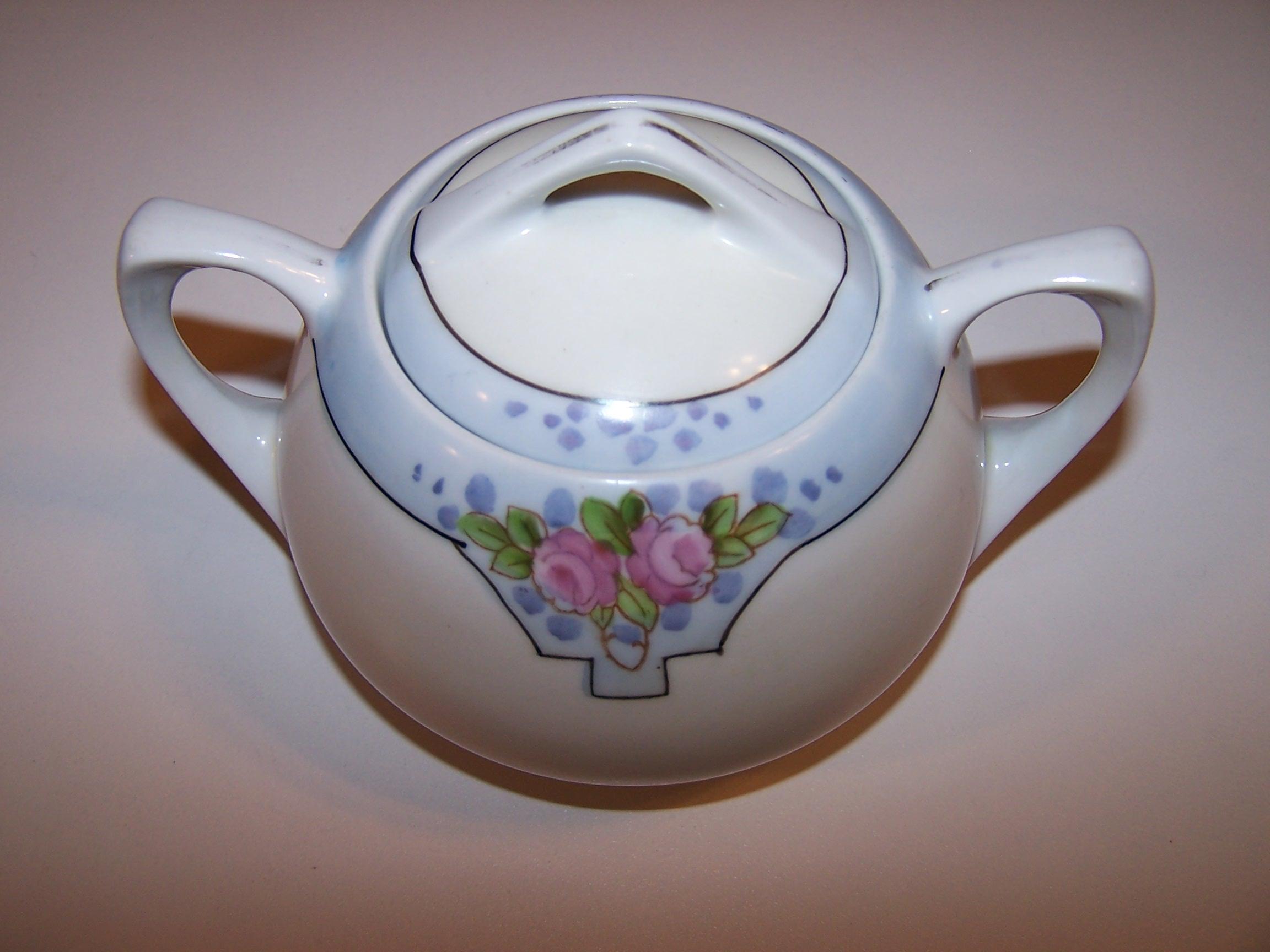 Meito China Sugar Bowl, Pink Roses w Blue Spots