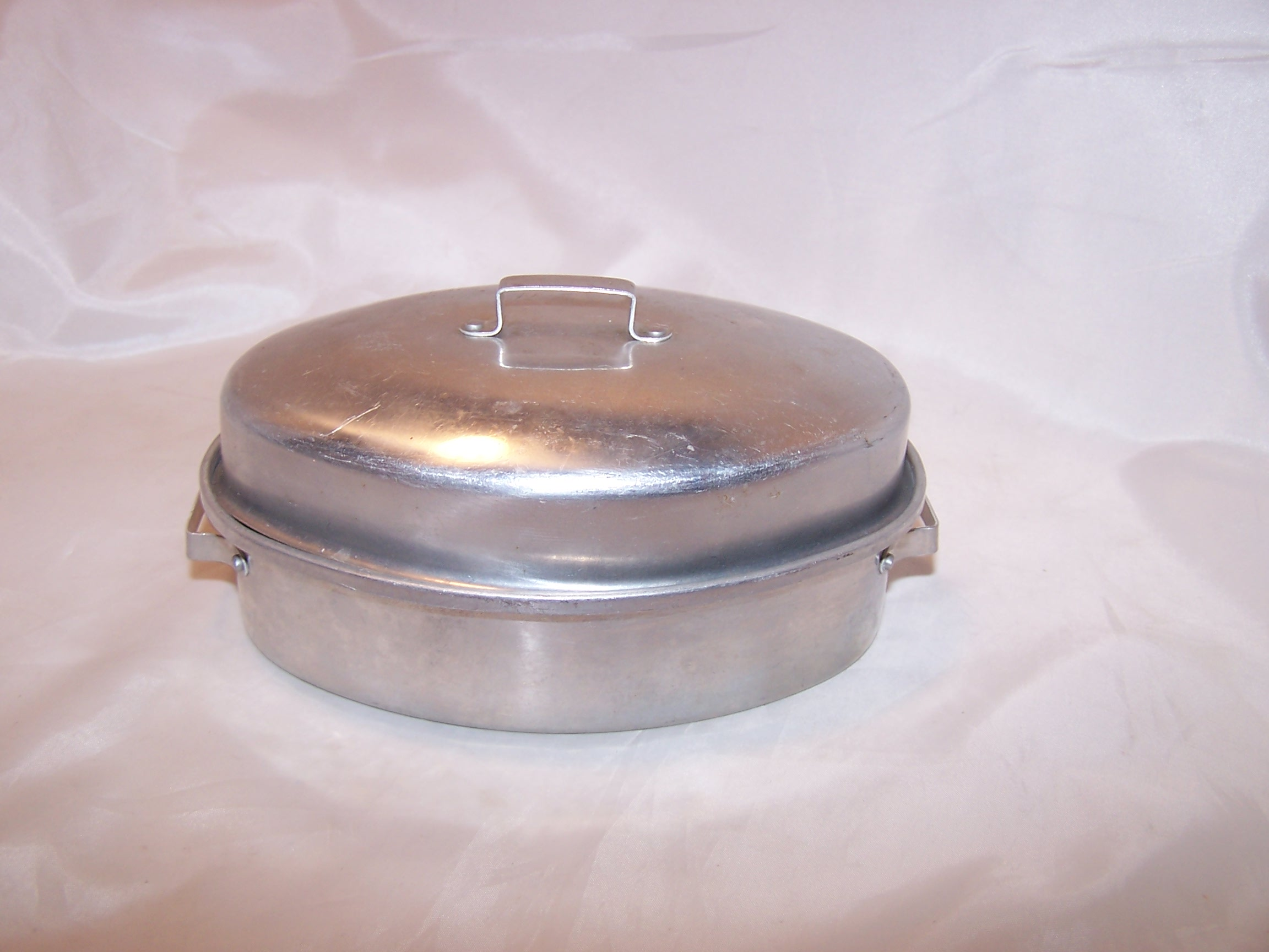 Image 2 of Toy Roaster w Lid, Aluminum, Vintage Childs Toy