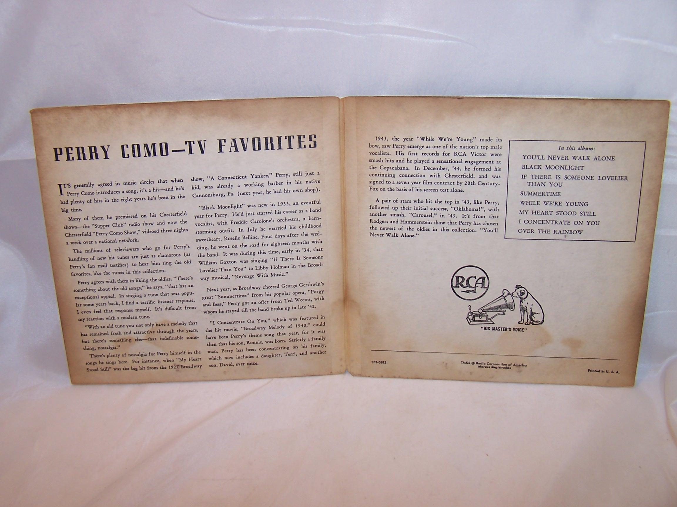 Image 1 of Perry Como, TV Favorites 45 RPM Record Set