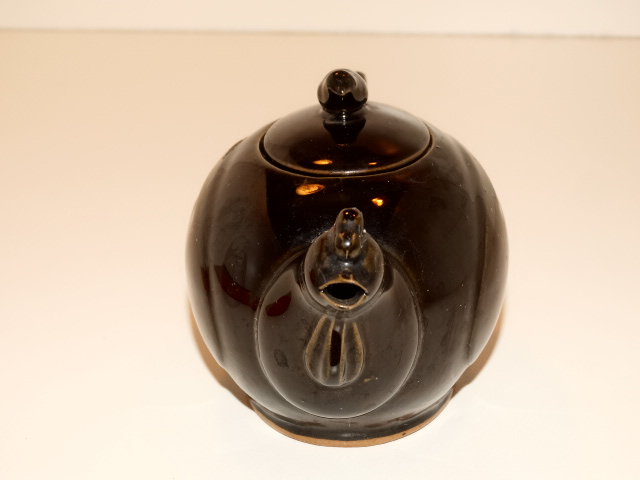 Image 3 of Teapot Chicken and Chick Tea Pot