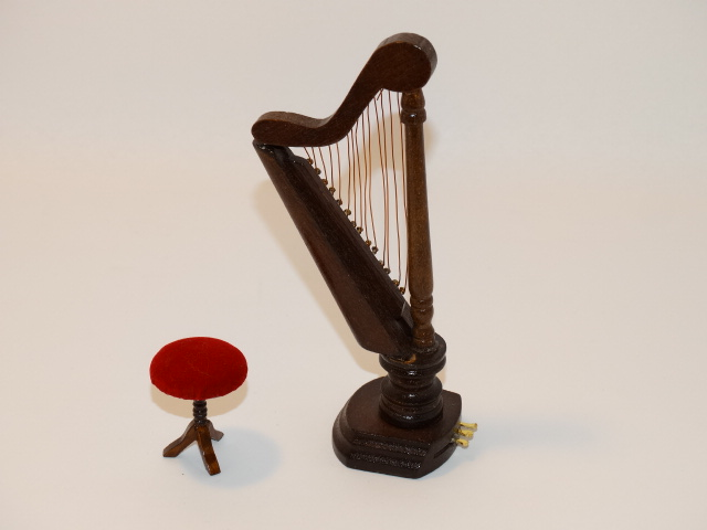 Dollhouse Harp, Stool