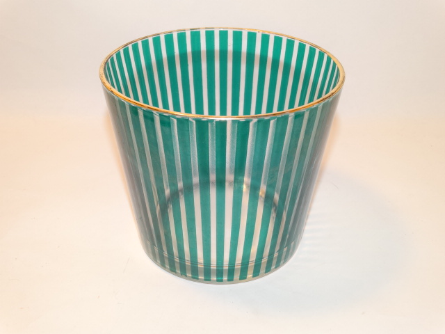 '.Ice Bucket.'