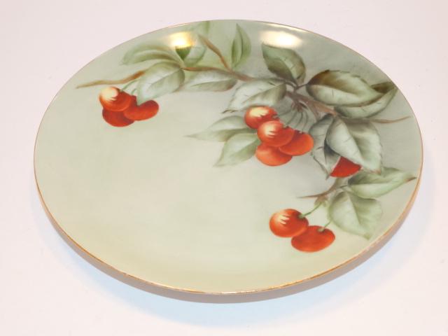 '.Gold Rim Cherry Plate.'