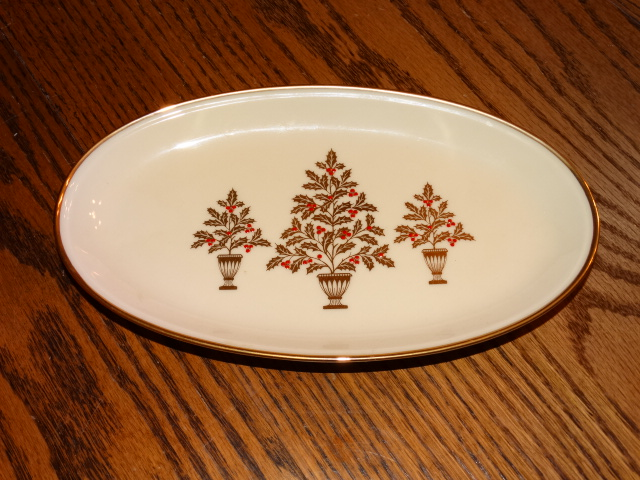 Lenox Winter Gold Holly Tree Oval Dish