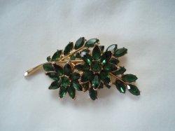 Trifari Vintage Emerald Green Brooch Flowers Leaf  Gold