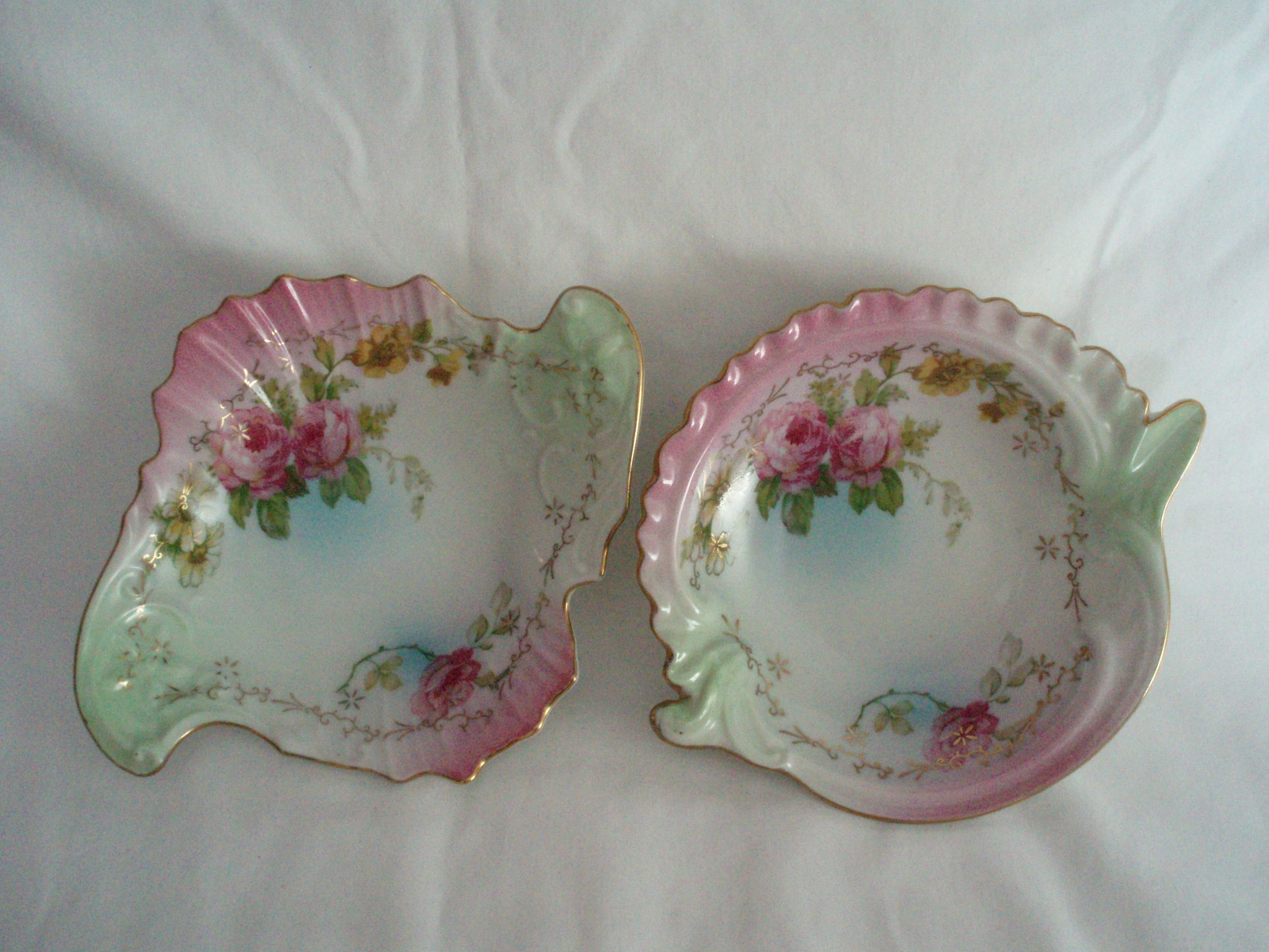 Count Thun Czech Porcelain Rose Pattern Pin Trinket Dishes