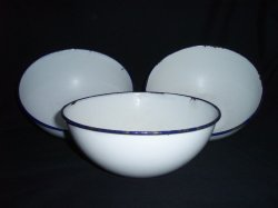 3 Enamelware 7 inch bowls white and navy Ker Sweden