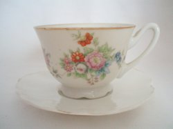 Yamaka Demitasse Tea Cup And Saucer Made in Occupied Japan