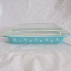 Pyrex Rectangular Turquoise Snowflake Covered Dish