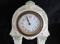 '.Art Deco Mantle Clock Vintage .'