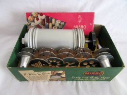 Mirro Cooky And Pastry Press w/attachments Vintage Model 358 AM