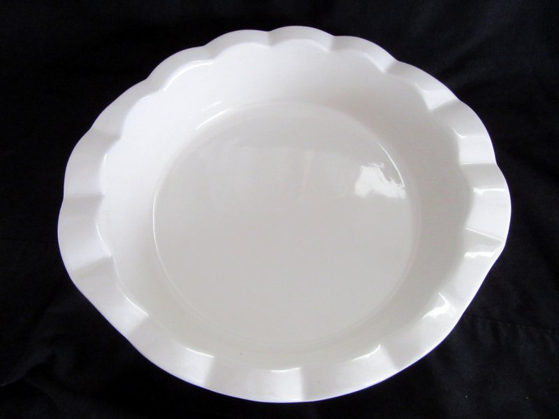 & Technique Stoneware Deep Pie Plates HF144 White
