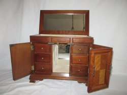 '. Jewelry Box .'