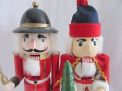 '.Holiday Nutcrackers 15 IN.'