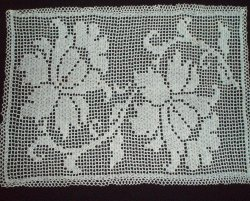 Vintage Filet Crochet Doily Floral 25 x 18 inches