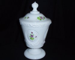 Fenton Candy Box Violets in Snow