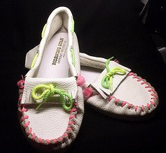 Moccasin Girls White Deerskin Leather Bright Lace Size 3