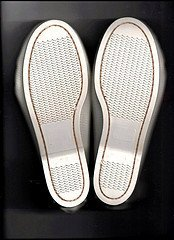 '.Moccasin Girls White Size 3.'