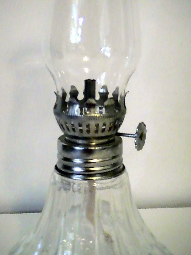 Small Oil Lamp Crystal Clear 9 Inch Lamplight Farms Oos
