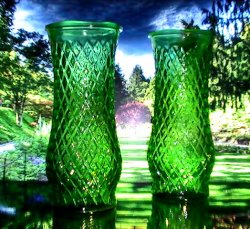 '.Green Diamond pattern vase .'