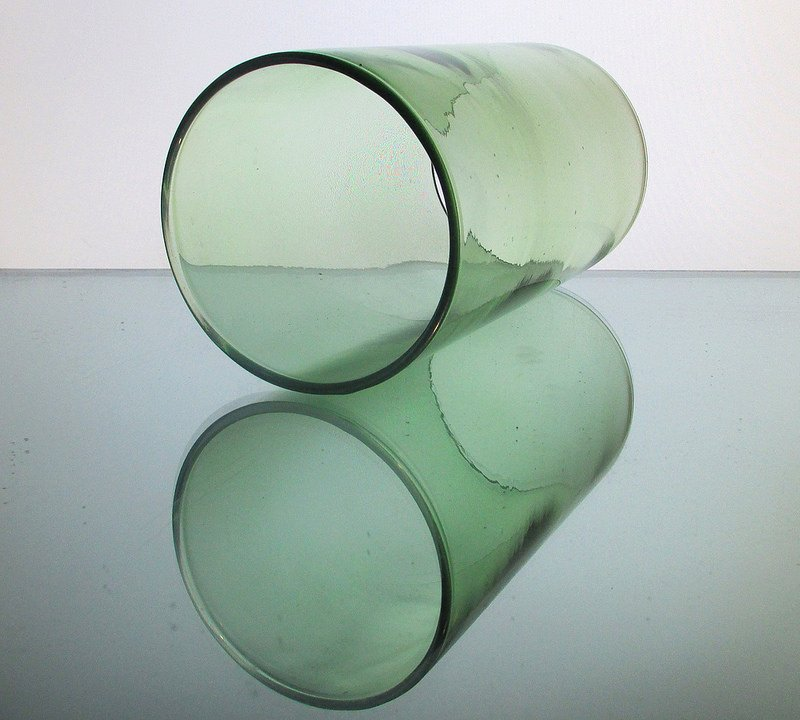 Hurricane Shade Sleeve Cylinder Green 7 1/8 x 4