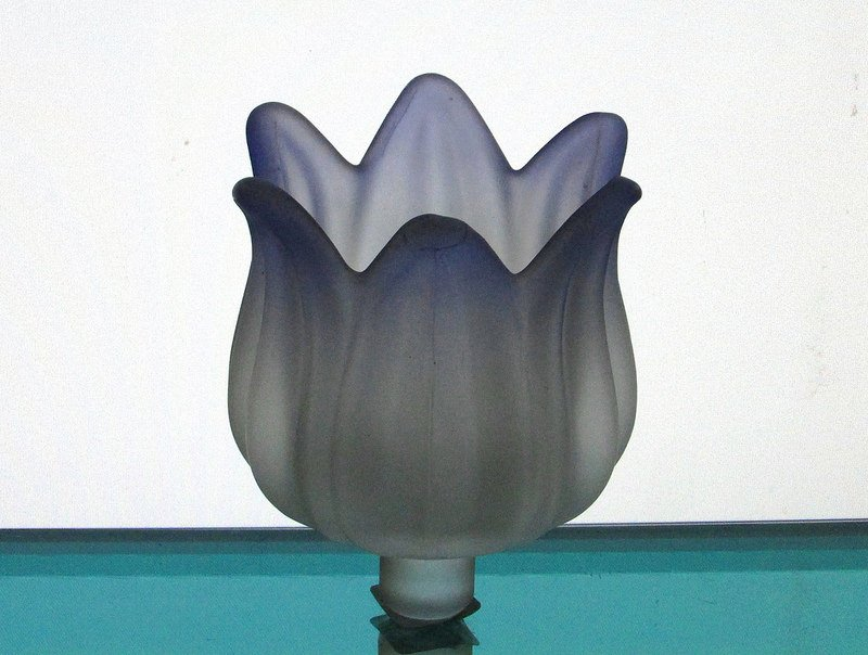 Partylite Peg Votive Candle Holder Frosted Tulip Purple