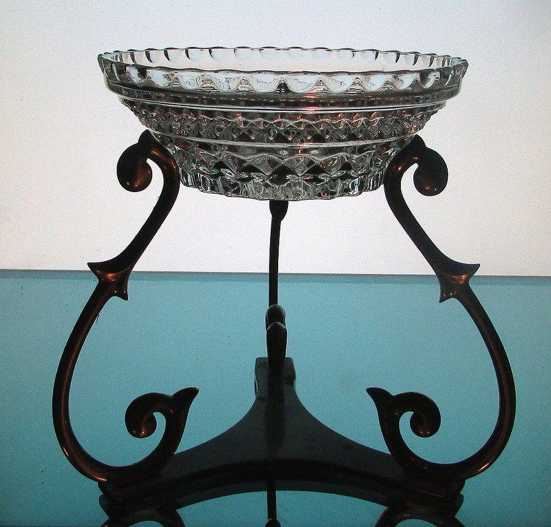 Hanging Candle Bowl 5 3/8 x 2 in a Partylite Harp Stand