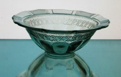 Hanging Candle Bowl 7.75 x 2.75 Grecian Pale Green