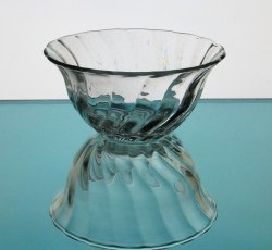 '.Swirled Glass Bowl 6 5/8.'