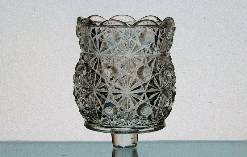 Peg Votive Holder Daisy and Button by L.E. Smith Glass Clear Heavy Vintage