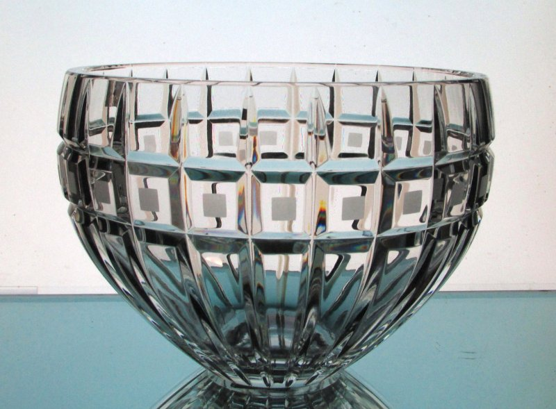 Waterford Crystal 8 inch Serving Bowl Quadrata Etched Blocks
