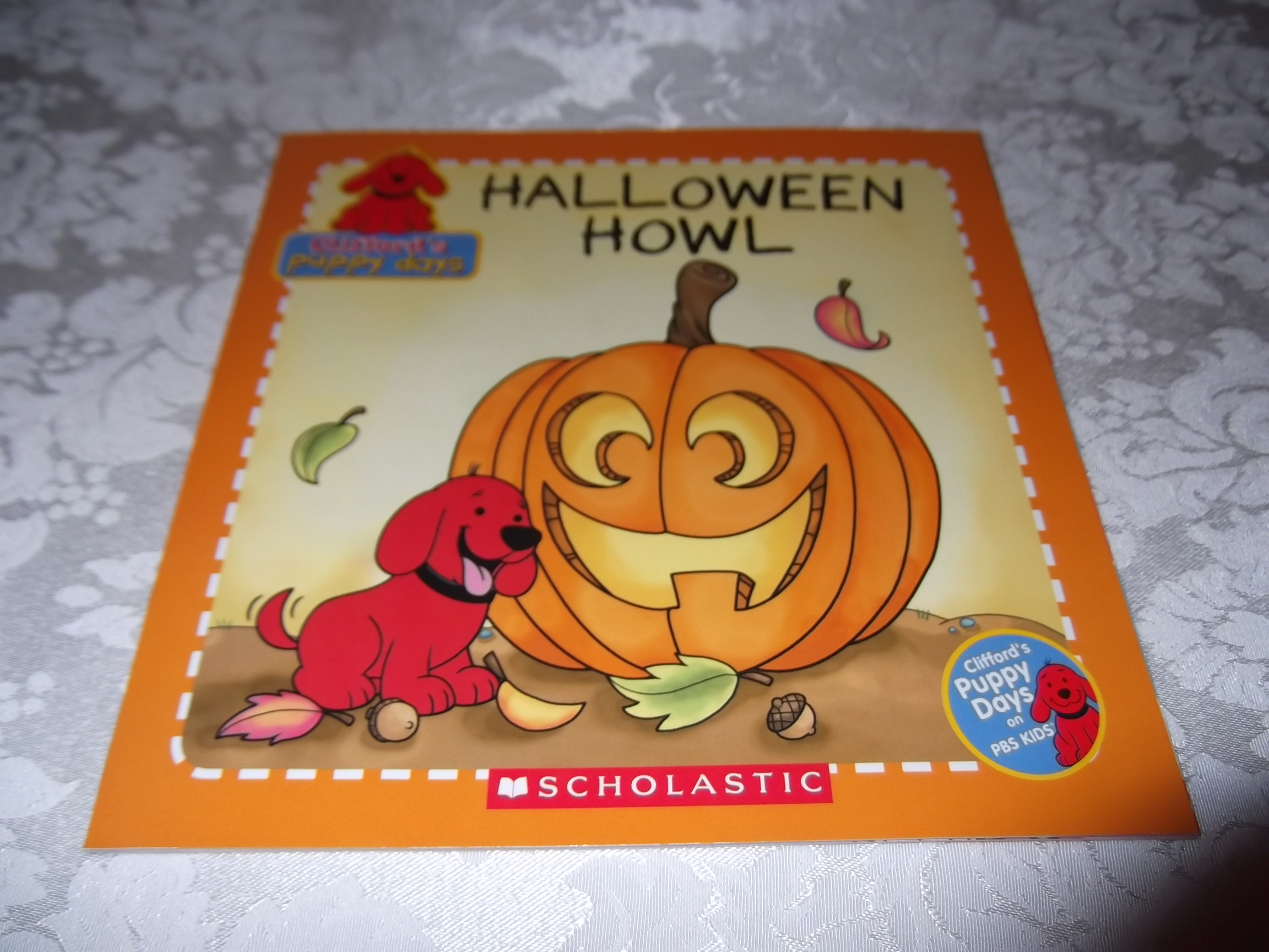 Halloween Howl Clifford's Puppy Days Brand New Softcover