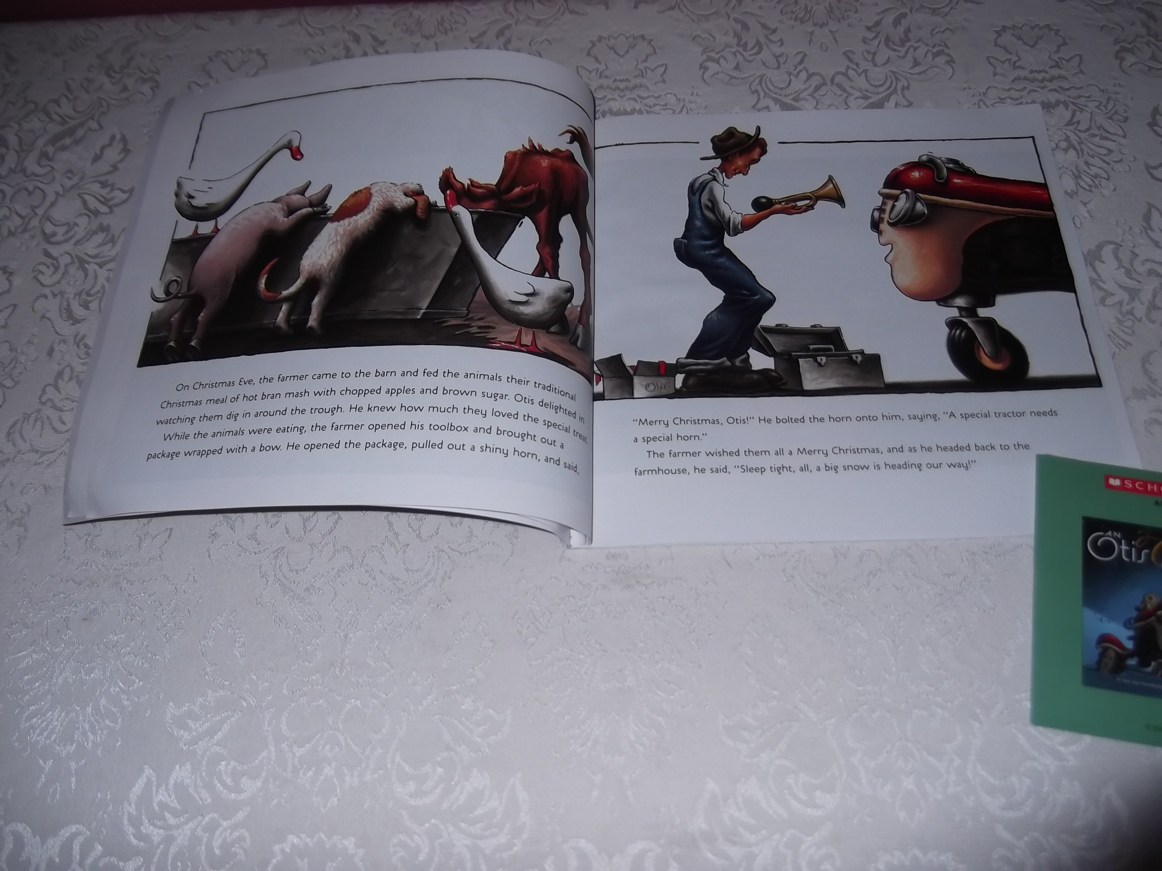 Image 3 of An Otis Christmas Loren Long Brand New Audio CD and Softcover