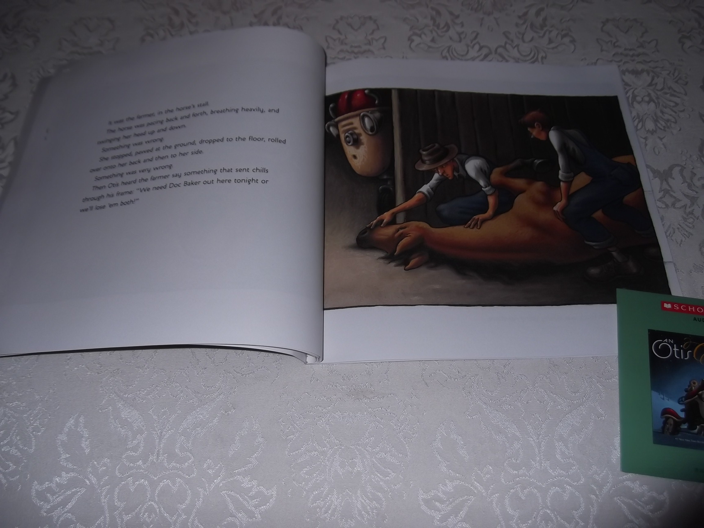 Image 4 of An Otis Christmas Loren Long Brand New Audio CD and Softcover