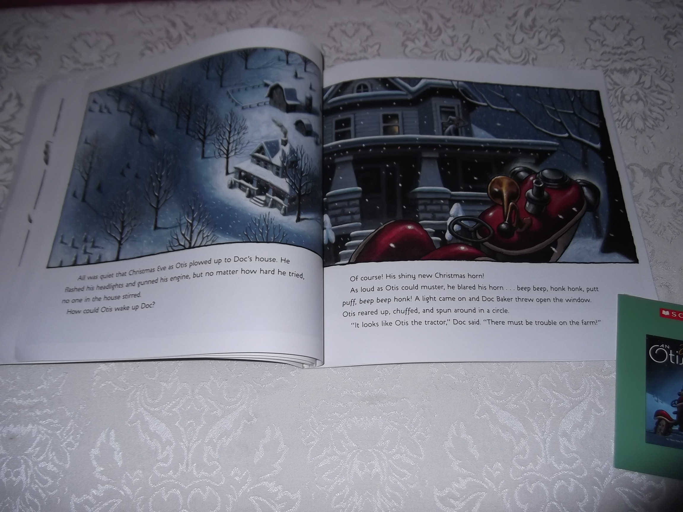 Image 5 of An Otis Christmas Loren Long Brand New Audio CD and Softcover