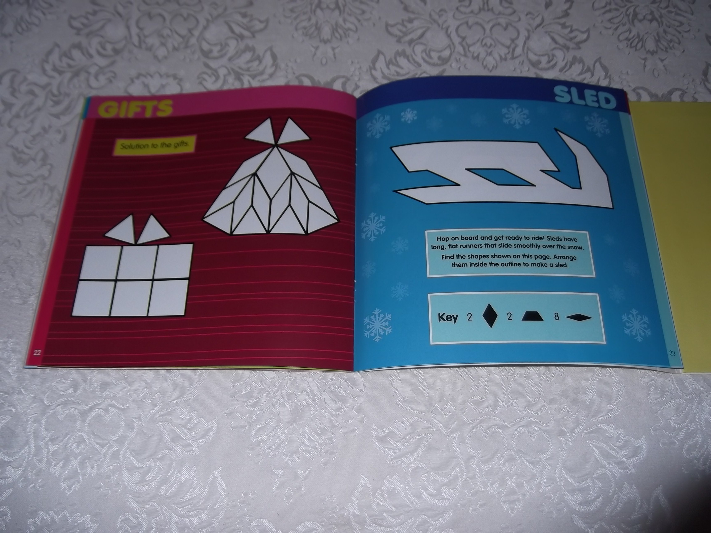 Image 6 of Pattern Block Puzzles Christmas with 42 Magnet Shapes Kris Hirschmann Brand New
