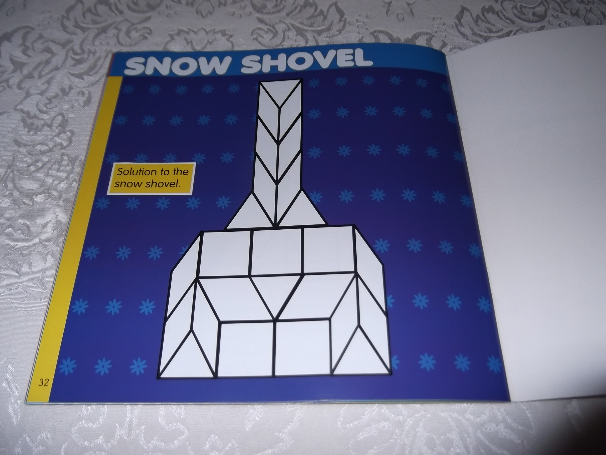 Image 1 of Pattern Block Puzzles Christmas with 42 Magnet Shapes Kris Hirschmann Brand New