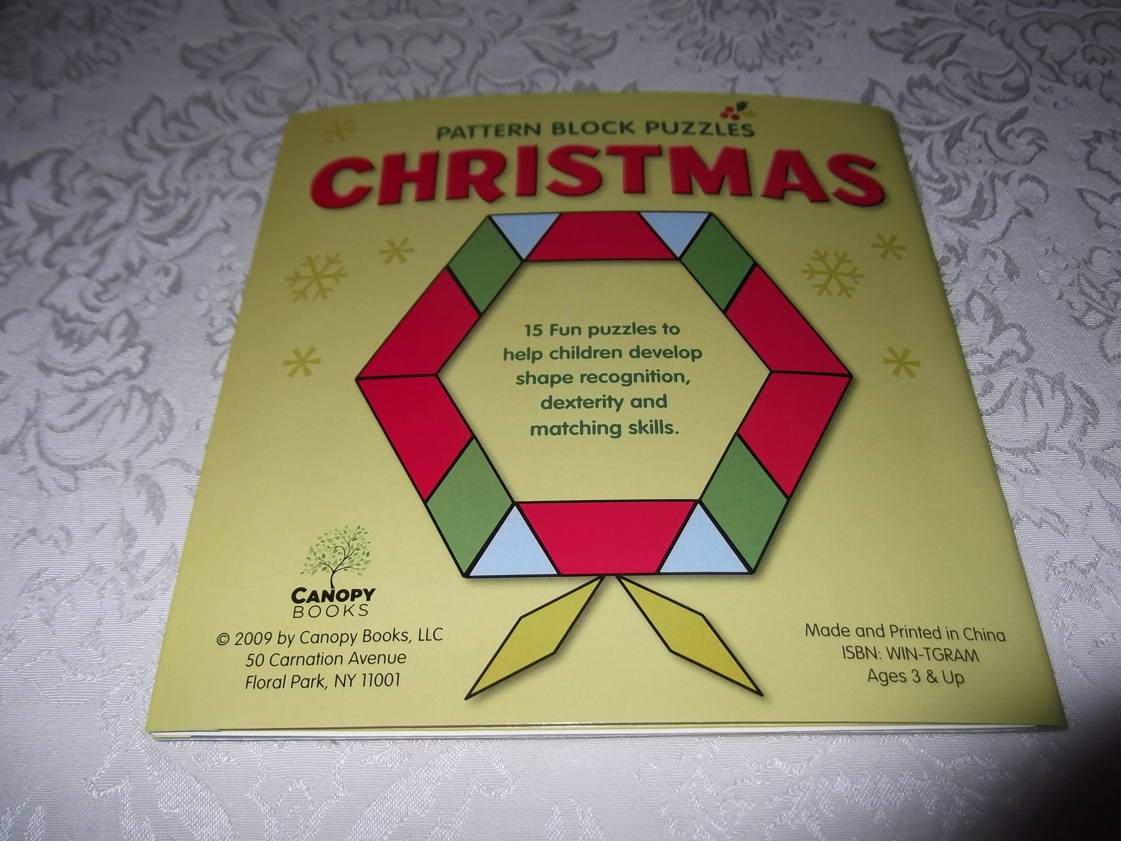 Image 17 of Pattern Block Puzzles Christmas with 42 Magnet Shapes Kris Hirschmann Brand New