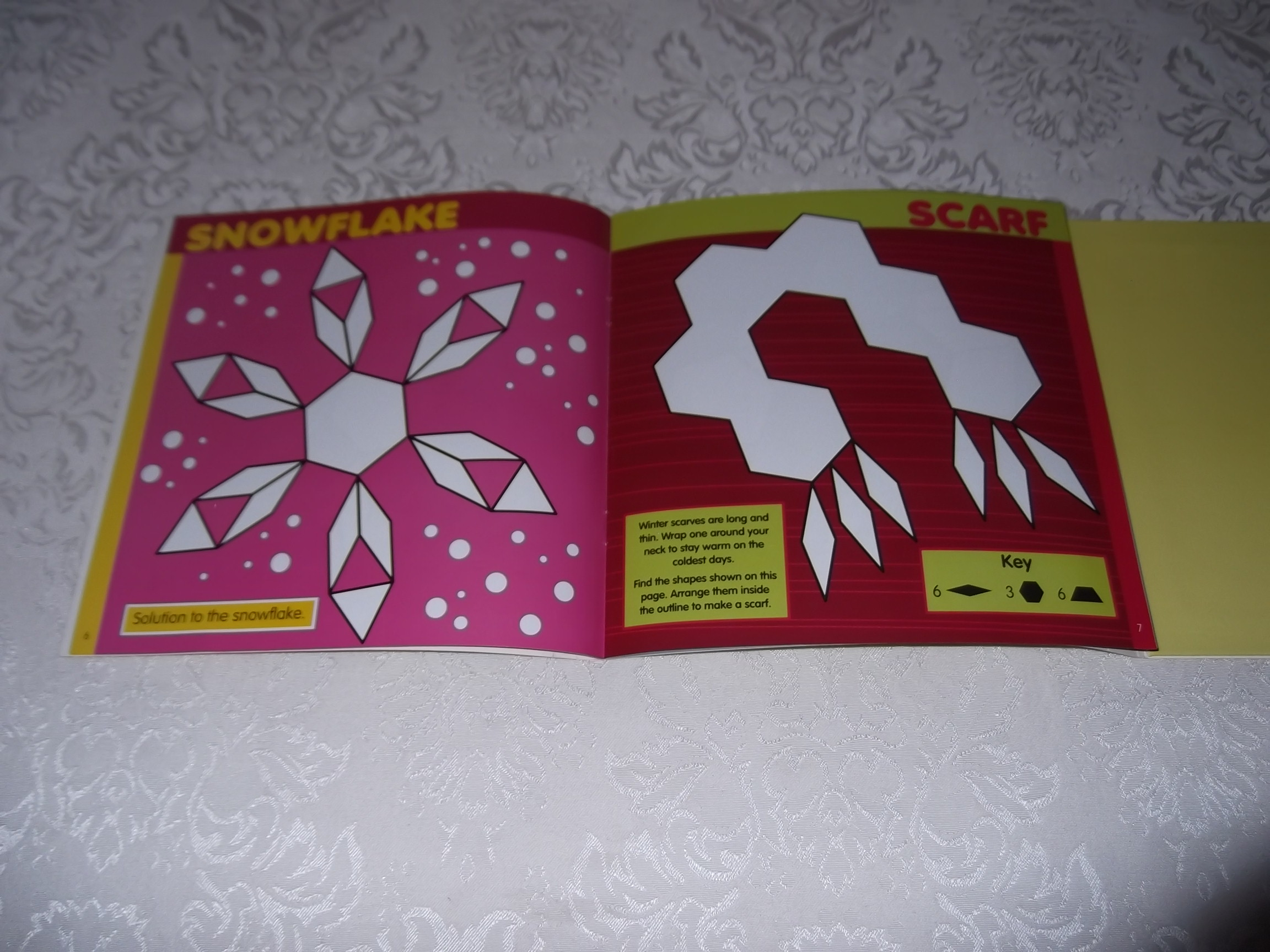 Image 14 of Pattern Block Puzzles Christmas with 42 Magnet Shapes Kris Hirschmann Brand New