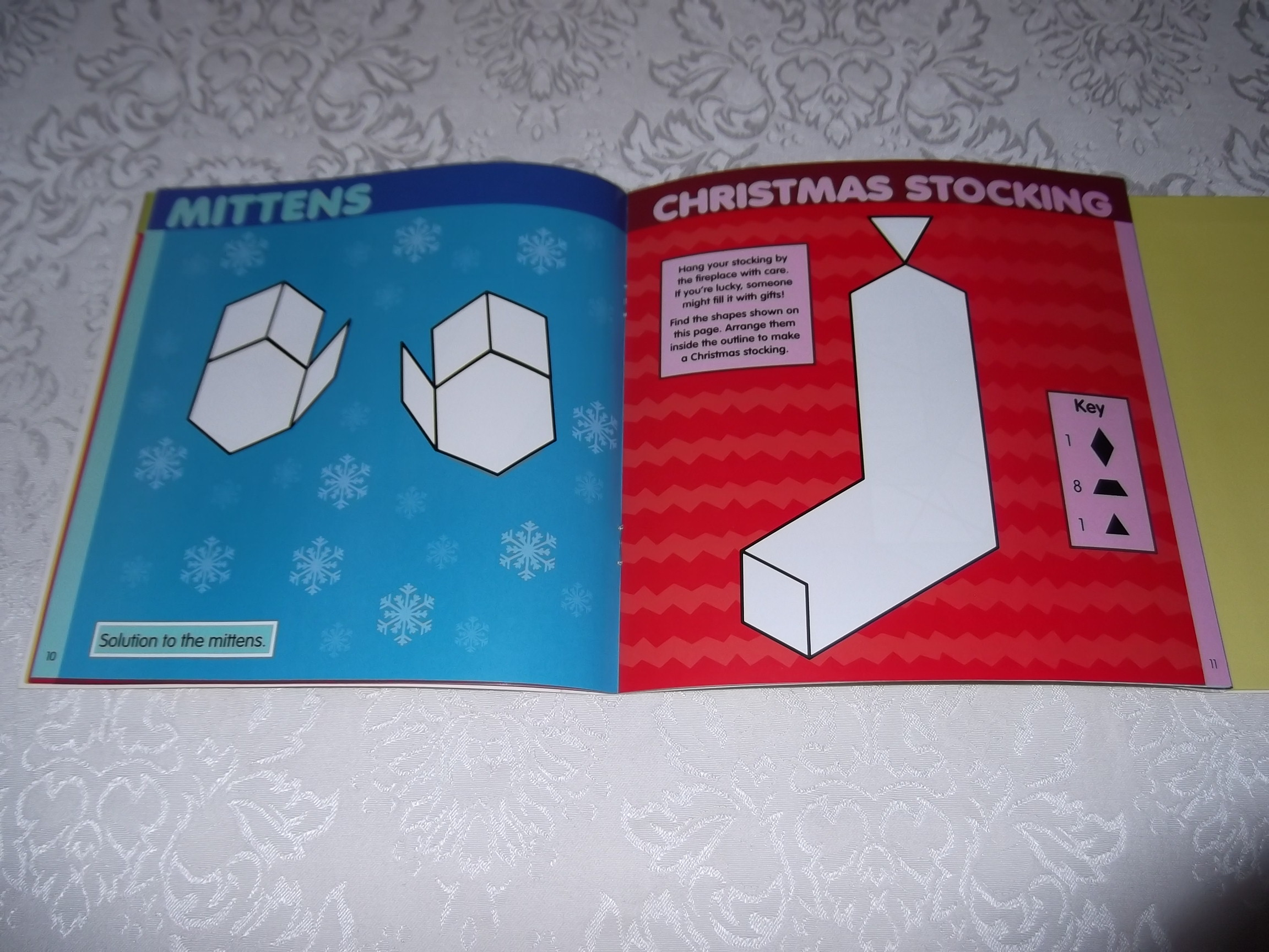 Image 12 of Pattern Block Puzzles Christmas with 42 Magnet Shapes Kris Hirschmann Brand New