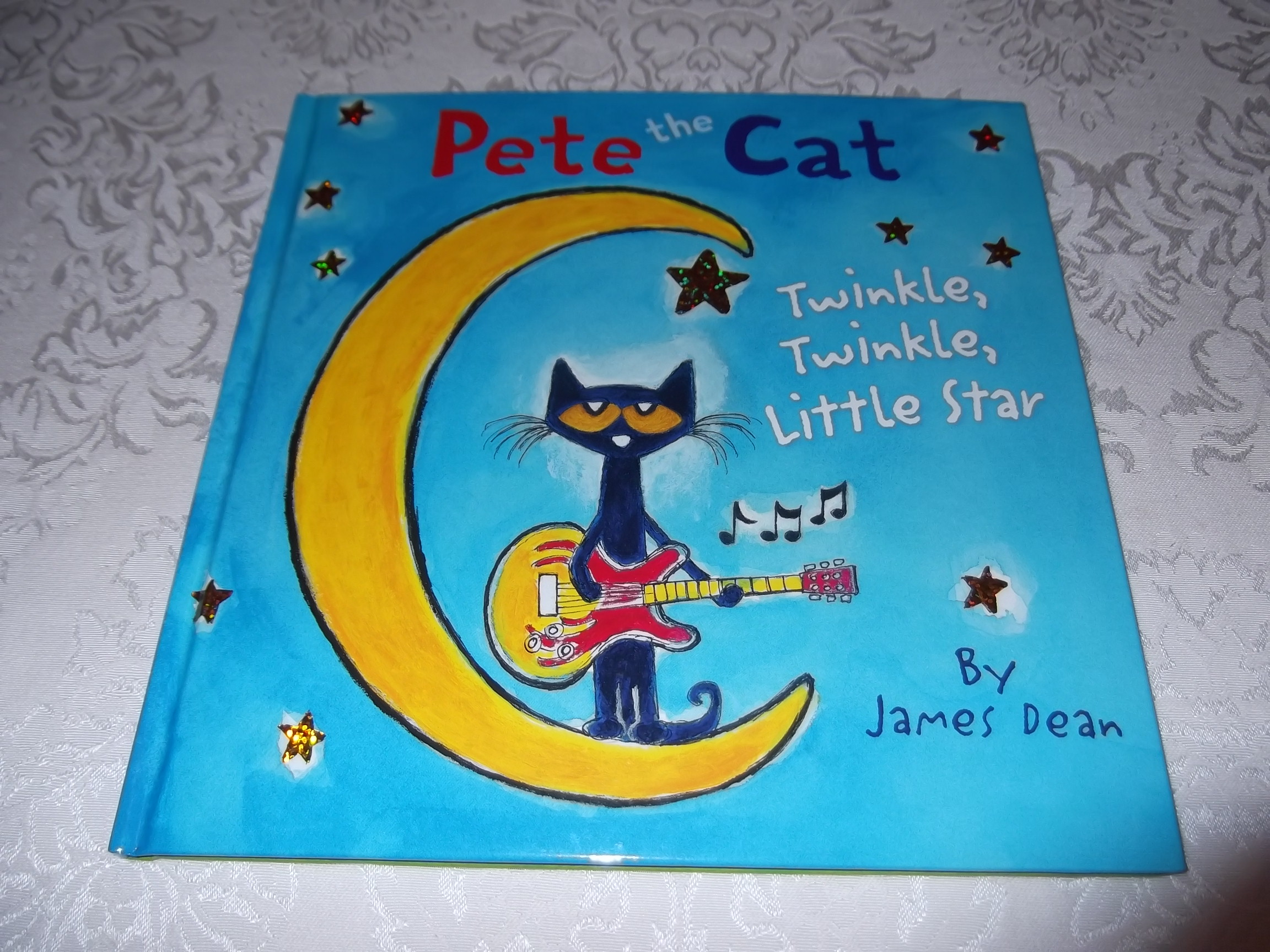 Pete the Cat Twinkle, Twinkle, Little Star by James Dean
