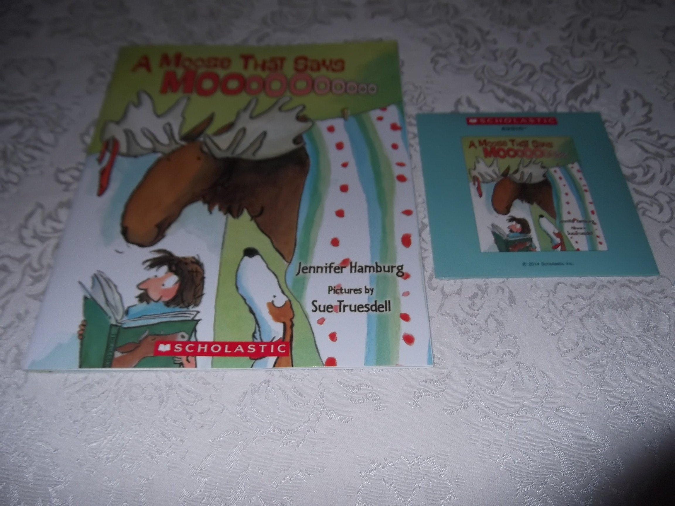 A Moose That Says Moooooooooo Audio CD and SC Jennifer Hamburg Brand New