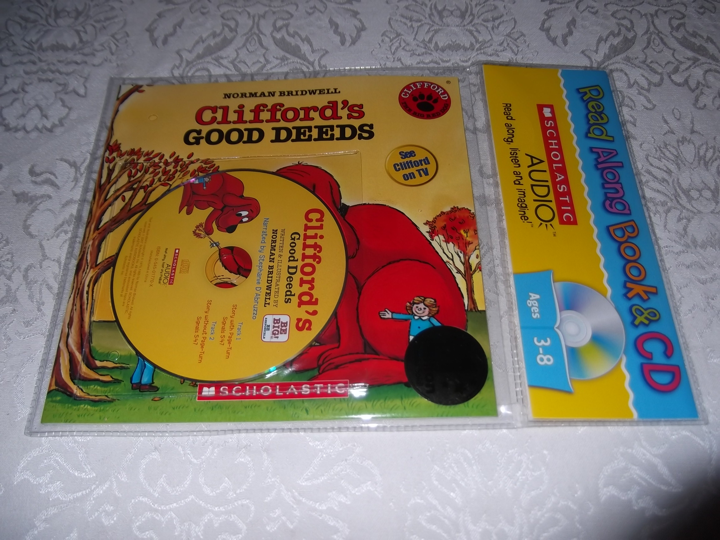 Clifford's Good Deeds Norman Bridwell Read Along Audio CD & Softcover Set