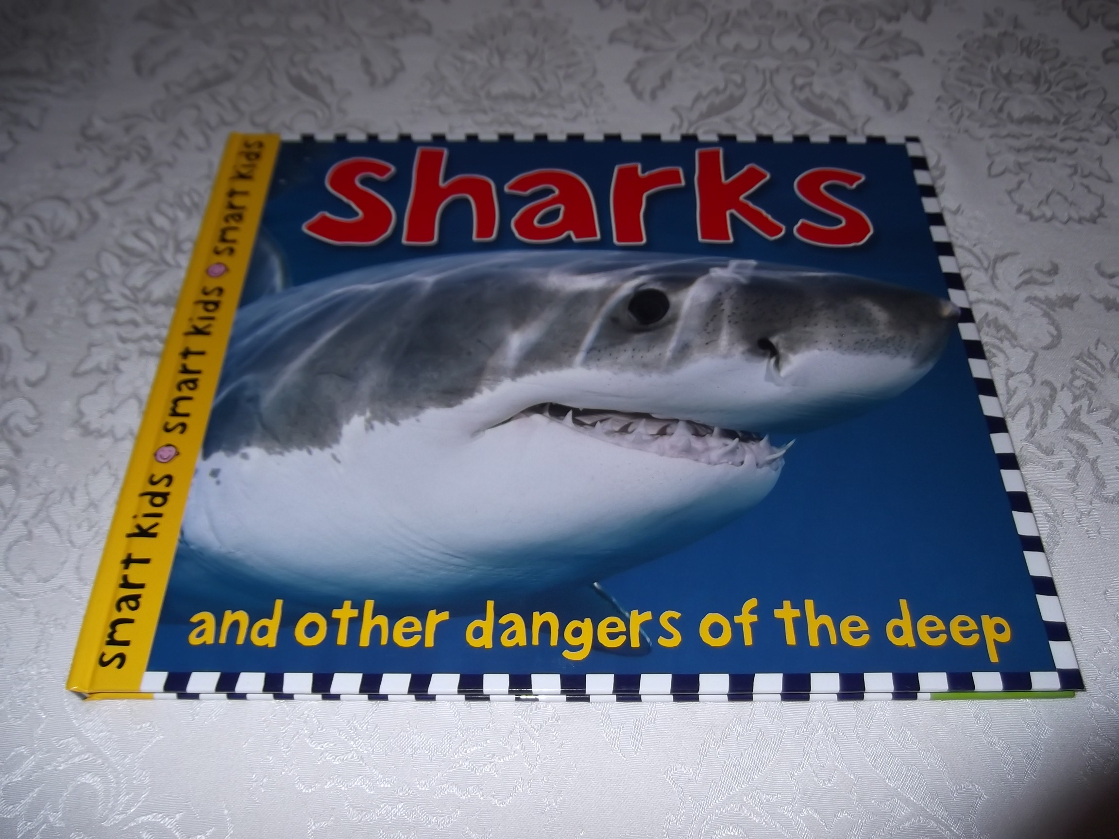 Sharks and Other Dangers of the Deep Simon Mugford Smart Kids Very Good HC