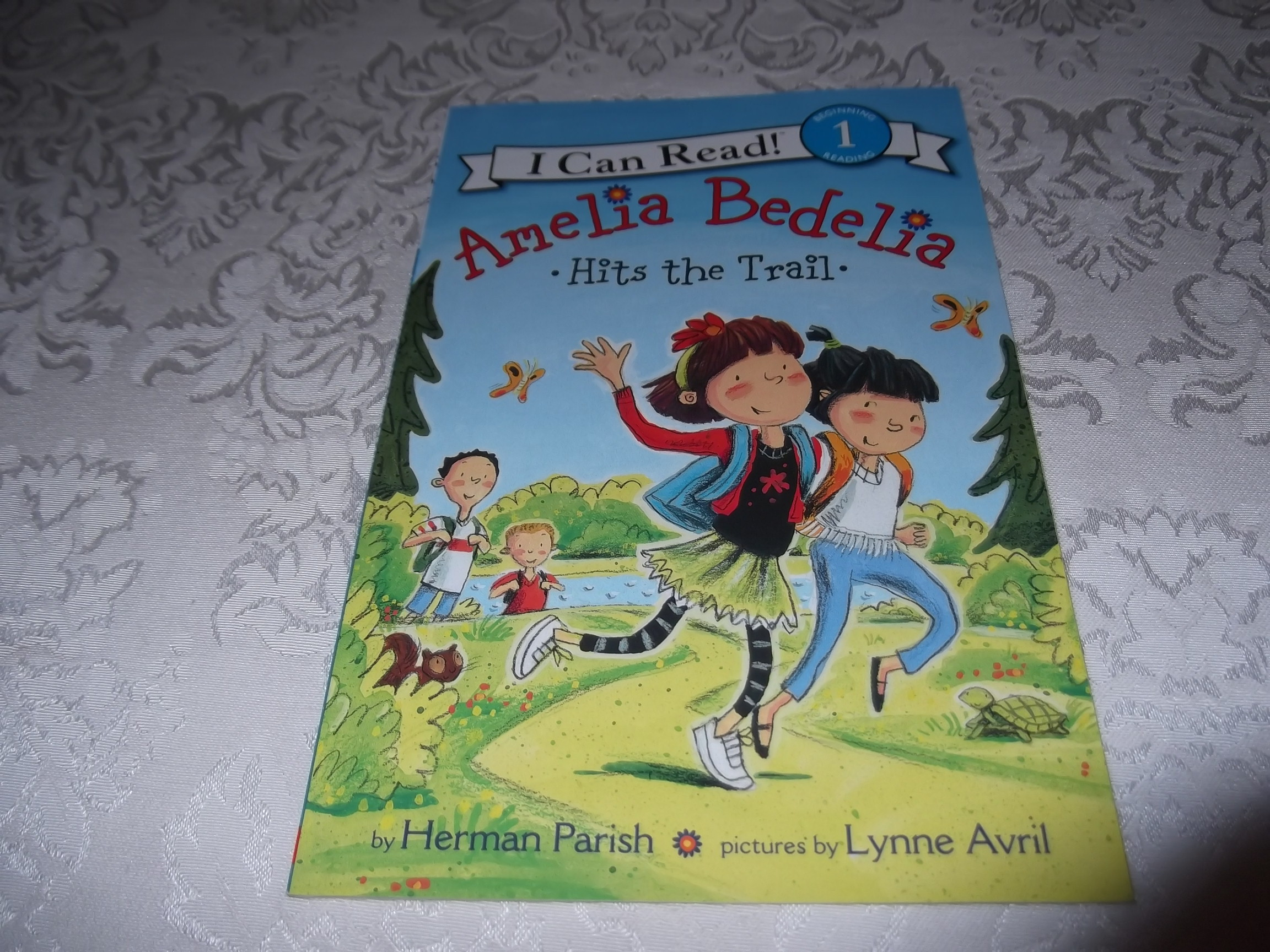 Amelia Bedelia Hits the Trail Herman Parish Level 1 I Can Read Reader New