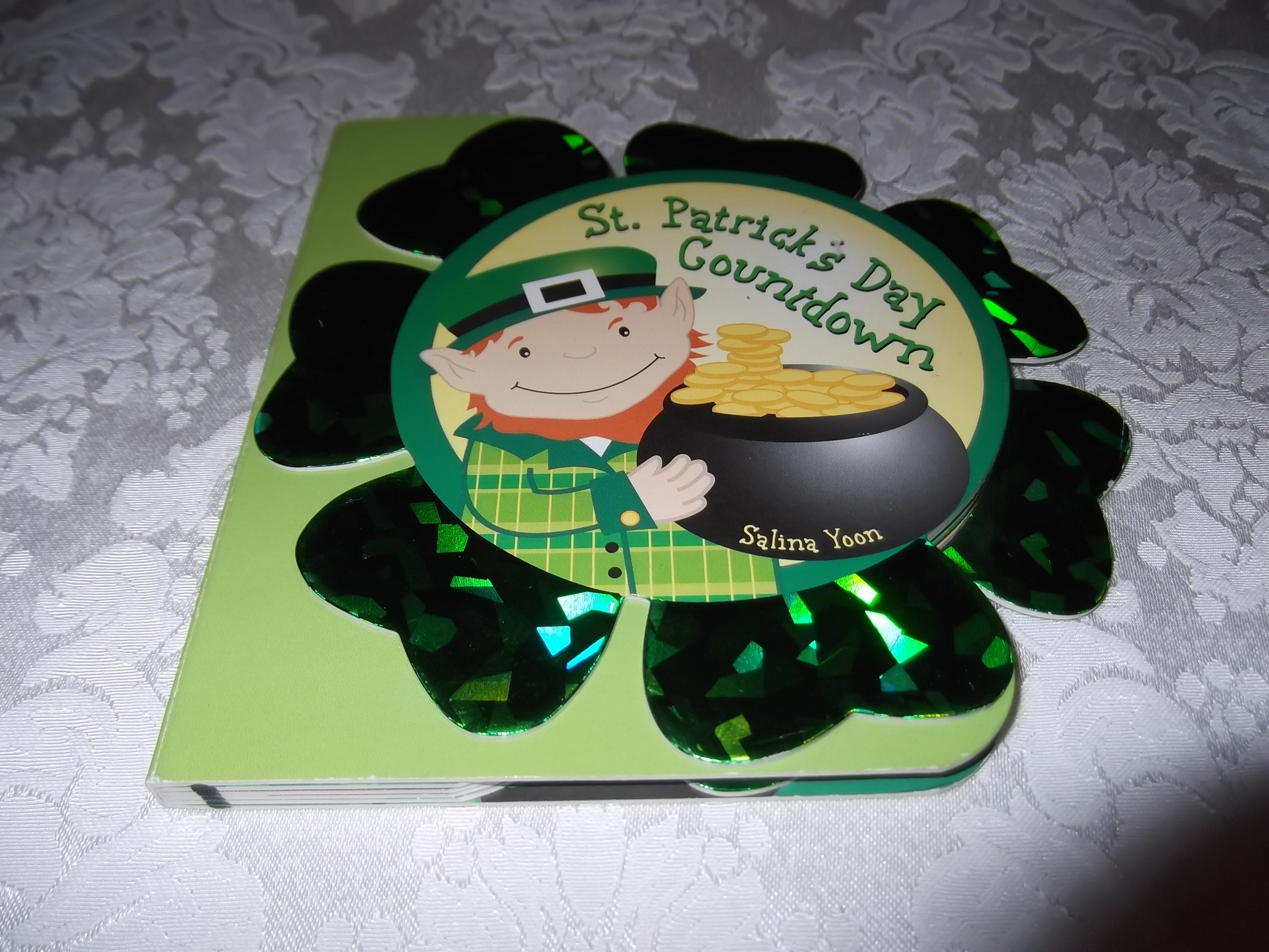 St. Patrick's Day Countdown Salina Yoon good shaped board book